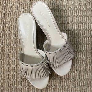 PELLE MODA    NWOT tan fringe sandal wedges size 6